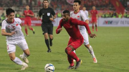 Marinus Wanewar saat membela Timnas Indonesia U-23 melawan Vietnam pada bulan Februari 2019 lalu. - INDOSPORT