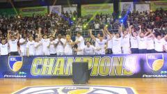 Indosport - Stapac Jakarta tampil sebagai juara IBL 2018/18.