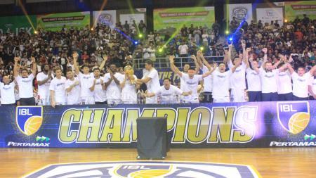 Stapac Jakarta tampil sebagai juara IBL 2018/18. - INDOSPORT