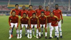 Indosport - Skuat Timnas Indonesia saat melawan Timnas Myanmar dalam laga uji coba internasional FIFA, Senin (25/03/19).