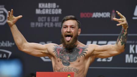 Conor McGregor kembali menjadi sorotan usai Francis Ngannou didapuk sebagai raja baru lantaran merebut sabuk juara kelas berat dari Stipe Miocic di UFC 260. - INDOSPORT