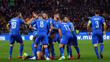 Timnas Italia saat merayakan golnya ke gawang Liechtenstein, Rabu (27/03/19) dini hari WIB. - INDOSPORT