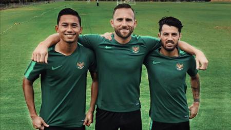 Ricky Fajrin, Spasojevic dan Lilipaly berseragam Timnas Indonesia. - INDOSPORT
