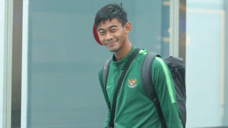 Satria Tama kiper Timnas U-23 tiba di Indonesia. - INDOSPORT