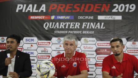 Pelatih Persija Ivan Kolev dan Silvio Escobar pada jumpa pers jelang babak 8 besar Piala Presiden 2019 lawan Kalteng Putra di Stadion Patriot, Rabu (27/03/19).