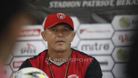 Pelatih Kalteng Putera, Mario Gomes de Oliviera pada jumpa pers jelang babak 8 besar Piala Presiden 2019 di Stadion Patriot, Rabu (27/03/19).