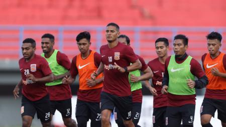 Para pemain Borneo FC sedang berlatih - INDOSPORT