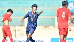 Indosport - Selebrasi Pemain Thaland U-19 usai mencetak gol di ajang VFF U-19 Turnamen