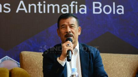 Manajer Persib Bandung, Umuh Muchtar sempat menyebut nama Imam Nahrawi terkait proses naturalisasi Fabiano Beltrame. - INDOSPORT