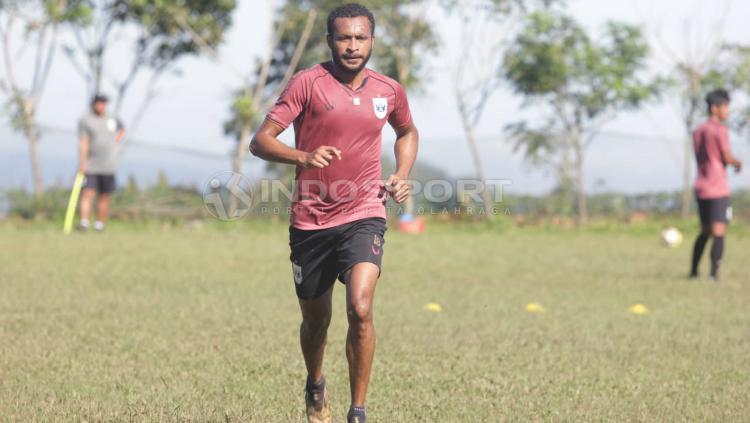 Arthur Bonai sudah kembali bergabung dengan PSIS Semarang. Copyright: Ronald Seger Prabowo/INDOSPORT