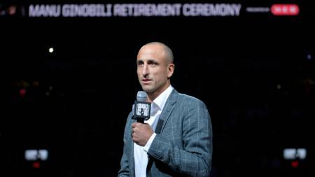 Manu Ginobili dalam acara seremoni pensiunnya dari dunia basket, Kamis (28/03/19). - INDOSPORT