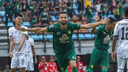 Meski saat ini bergabung bersama klub Tajikistan bernama FC Istiklol, Manuchekhr Dzhalilov belum bisa move on dari Persebaya Surabaya. - INDOSPORT