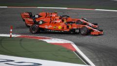 Indosport - Dua pembalap Ferrari, Sebastian Vettel dan Charles Leclerc.