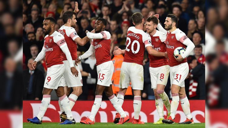 Para pemain merayakan gol di partai Arsenal vs Newcastle United pada ajang Liga Primer Inggris (Premier League), Selasa (02/04/19) dini hari. Copyright: Twitter/@BBCSport
