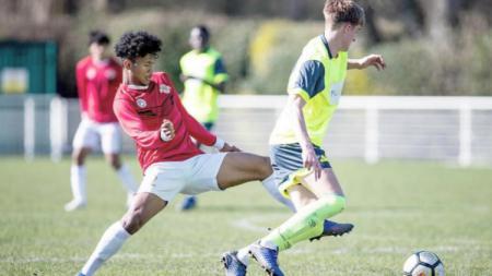 Bek Garuda Select yang tampil konsisten selama menimba ilmu sepak bola di Inggris, Bagas Kaffa. - INDOSPORT