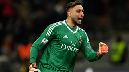 AC Milan kabarnya ingin melepas Gianluigi Donnarumma ke Paris Saint-Germain (PSG). Claudio Villa/Getty Images. - INDOSPORT