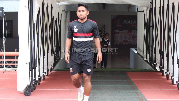 Andik Vermansyah bersiap mengikuti OT di Stadion GBT pada Selasa (2/4/19). Copyright: Fitra Herdian/Indosport.com
