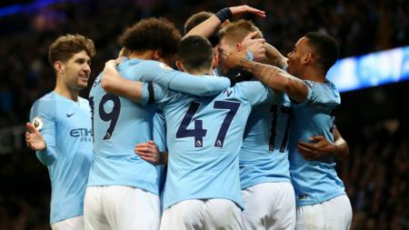 Selebrasi para pemain Manchester City usai mencetak gol ke gawang Cardiff. - INDOSPORT