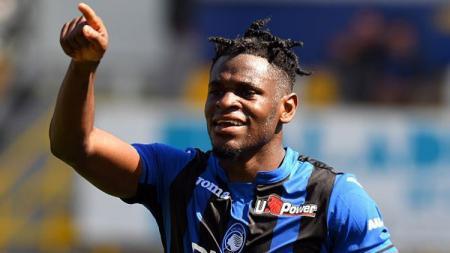 Raksasa sepak bola Serie A Liga Italia, Inter Milan, mendapat kabar baik terkait rencana mereka mendatangkan striker dari klub rival, Atalanta. - INDOSPORT