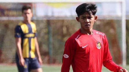 Pemain muda asal Indonesia, Firza Andika secara mengejutkan ternyata tidak digaji selama 6 bulan oleh klub Belgia, AFC Tubize. - INDOSPORT