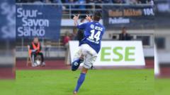 Indosport - Momen striker baru Badak Lampung FC Francisco Wagsley Torres saat merayakan gol.
