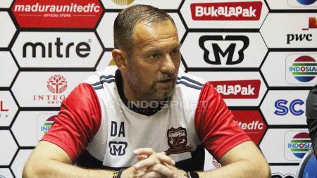 Dejan Antonic, pelatih Madura United. - INDOSPORT