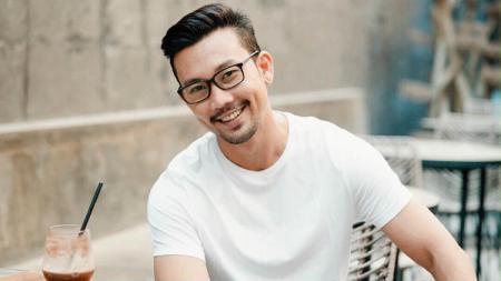 Denny Sumargo, mantan pebasket Indonesia yang kini jadi aktor film. - INDOSPORT