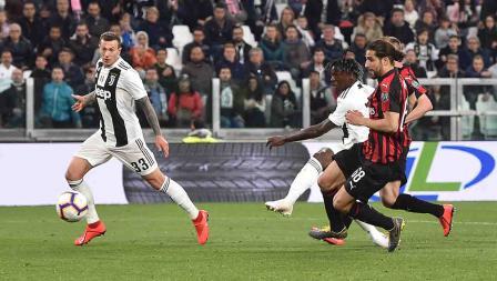 Moise Kean berhasil menambah gol untuk Juventus hingga wasit meniup pruit berhentinya laga, skor menjadi 2-1 atas AC Milan pada Sabtu (06/05/19). Tullio M. Puglia / Getty Images