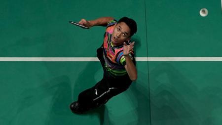 Aksi Jonatan Christie di Malaysia Open 2019 saat melawan Viktor Axelsen. Stanley Chou/Getty Images