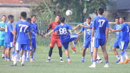 Persib Bandung berlatih di Lapangan Lodaya, Kota Bandung (Arif Rahman/INDOSPORT) - INDOSPORT