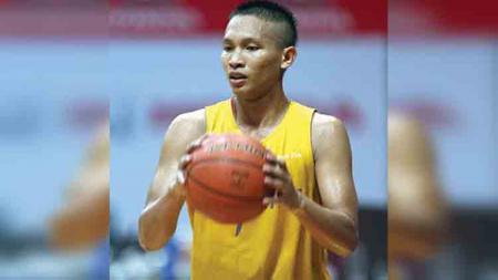 Okky Arista secara mengejutkan memutuskan untuk pensiun dari Pacific Caesar Surabaya. - INDOSPORT