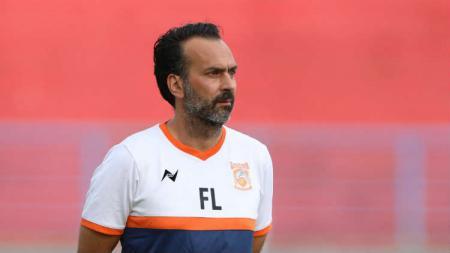 Mantan pelatih Borneo FC, Fabio Lopez, bernasib sial karena dipecat oleh klub Vietnam, FLC Thanh Hoa. - INDOSPORT