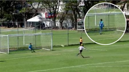 Penalti unik di Meksiko. - INDOSPORT