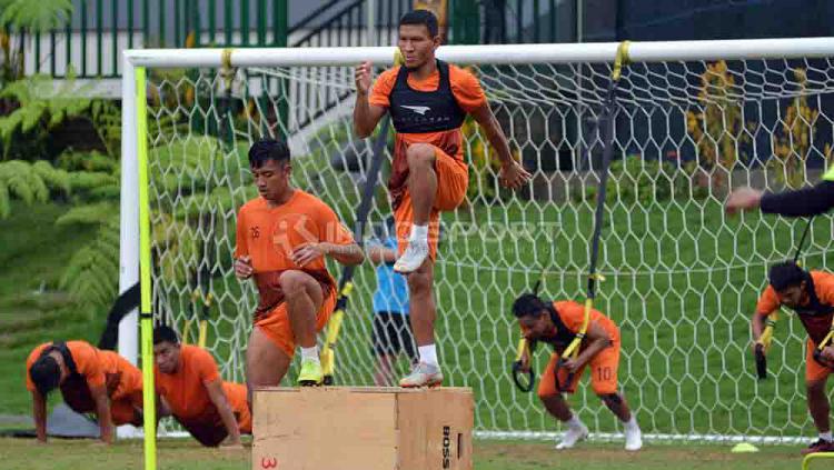 Striker anyar Badak Lampung FC, TA Musafri berlatih di Lestarindo Sport Garden, Boyolali. Foto: Ronald Seger Prabowo/INDOSPORT Copyright: Ronald Seger Prabowo/INDOSPORT