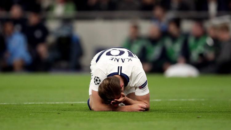 Harry Kane berkali-kali mengalami penyiksaan di pertandingan Tottenham vs Manchester City di Liga Champions, Rabu (100419) dini hari. Squawka Copyright: Squawka