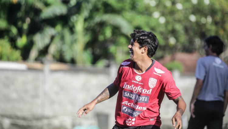 Penyerang Bali United Irfan Bachdim. Copyright: baliutd.com