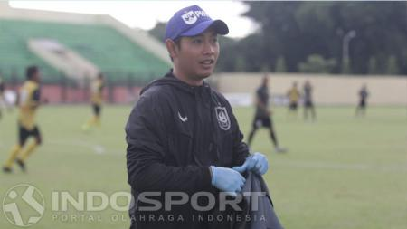 Dewan Widya Darma, fisioterapis PSIS Semarang. - INDOSPORT