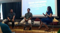 Indosport - Bayu Aditya (tengah), pemain futsal profesional dalam sebuah acara Launching Paket Berlangganan Terbaru MNC Vision dan MNC Play