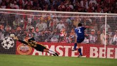 Indosport - Adu penalti untuk menentukan pemenang laga final Liga Champions