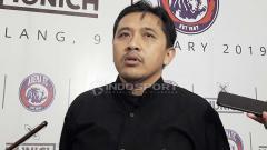 Indosport - Media Officer Arema FC, Sudarmaji. Foto: Ian Setiawan/INDOSPORT