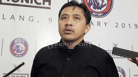 Media Officer Arema FC, Sudarmaji. Foto: Ian Setiawan/INDOSPORT - INDOSPORT