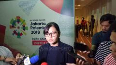 Indosport - Foto: Sekjen PSSI, Ratu Tisha Destria, diwawancara usai menerima kunjungan perwakilan AFC dan FIFA (Petrus Manus Da Yerimon/INDOSPORT).