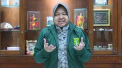 Indosport - Wali Kota Surabaya, Tri Rismaharini, mengimbau Bonek tidak datang ke Malang pada final kedua Piala Presiden 2019, Jumat (12/04/19), di Stadion Kanjuruhan.