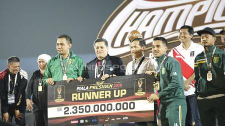 Persebaya Surabaya menjadi runner up Piala Presiden 2019. Herry Ibrahim/INDOSPORT - INDOSPORT