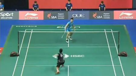 Detik-detik dramatis Anthony Ginting yang melaju ke final Singapore Open 2019. - INDOSPORT