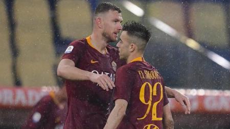 Perayaan gol Edin Dzeko dan El Shaarawy ke gawang Udinese, Minggu (14/04/19) dini hari WIB, di Stadio Olimpico - INDOSPORT