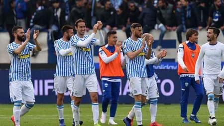 Ekspesi para pemain SPAL usai meraih kemenangan atas Juventus dini hari tadi di Stadio Paolo Mazza. - INDOSPORT