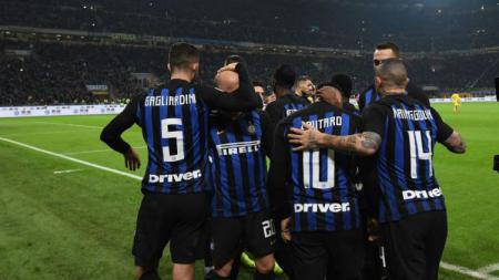 Selebrasi pemain Inter Milan usai menang lawan Frosinone dalam laga lanjutan Seri A, Italia, Senin (15/04/19) - INDOSPORT