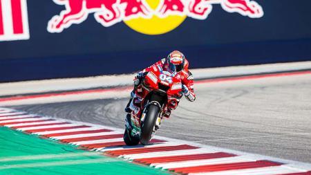 Aksi Andrea Dovizioso, sang pemuncak klasemen, di MotoGP Amerika Senin (15/04/19). Foto: Christian Pondella/Getty Images - INDOSPORT