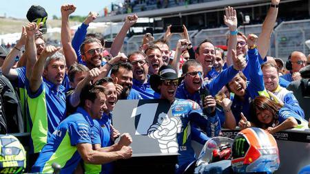 Dua pembalap Suzuki yakni Joan Mir dan Alex Rins sukses di MotoGP Eropa akhir pekan lalu. Sementara Yamaha justru terpuruk dan membuat frustrasi para pembalapnya. - INDOSPORT